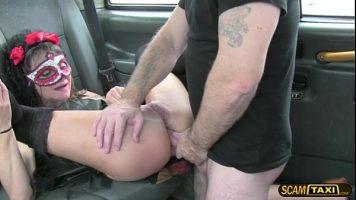 Masajul erotic facut de doua femei este foarte erotic