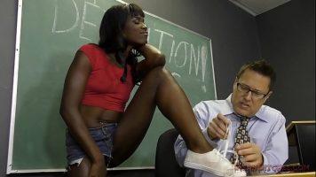 A facut sex cu barbatul celei mai bune prietene ale ei