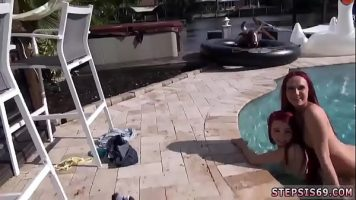 Imi suge pula langa piscina vara