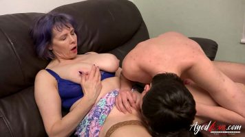 Tarfa matura care ii place sa excite partenerul cu care urmeaza sa faca sex