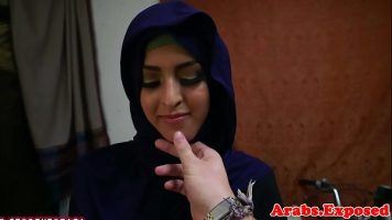 Femeia araba are cea mai draguta pizda din univers